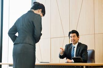 経営方針への不信感で転職するミドルは意外なほど多い。写真はイメージ=PIXTA