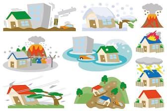 水害、土砂崩れの被害は所得控除や自治体による救済策もあるので活用したい(イラストはイメージ=PIXTA)