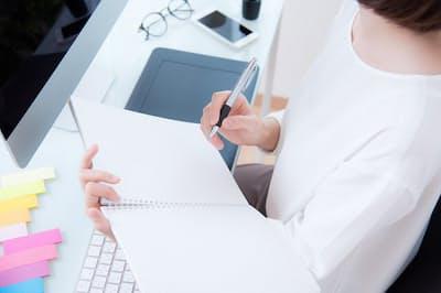 ノートを上手に活用するとビジネスも円滑に(写真はイメージ=PIXTA)