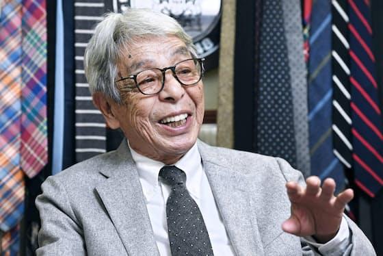 石津さんは「男の服装で唯一、遊べるアイテムがネクタイです」と語る。この日、選んだのは「沈ませるネクタイ」