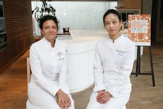 「オーベルジュ・ドゥ・サンレミ・ドゥ・プロヴァンス」のファニー・レイ・シェフ(左)と、志摩観光ホテルの樋口宏江総料理長。「ダイナースクラブ フランスレストランウィーク」の関連イベントにて
