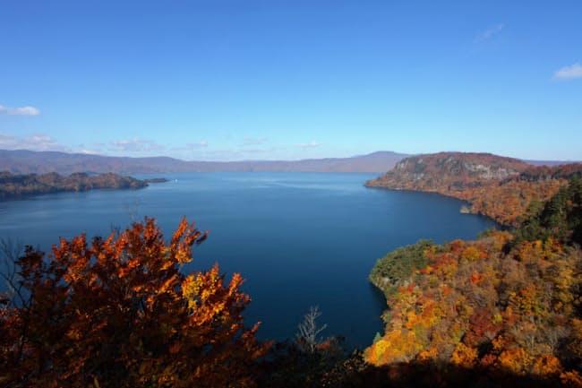 1位の十和田湖(青森県十和田市)