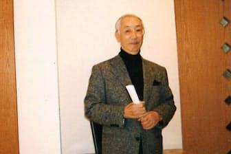 作詞の勉強をコツコツ続け、作詞学校では表彰された
