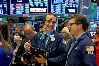 最高値更新に沸くニューヨーク証券取引所(9月20日)=ロイター