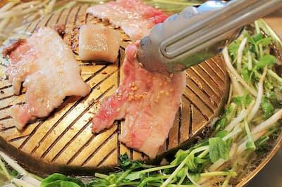 焼き肉としゃぶしゃぶが一度に味わえる「ムー トウキョウ」の「ムーガタ」