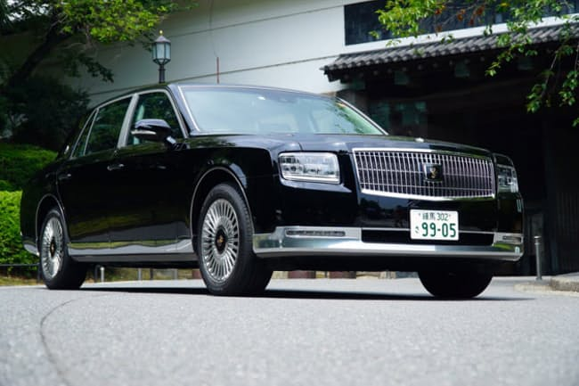 トヨタ「センチュリー」(メーカー希望小売価格税込み1960万円)