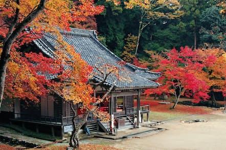 古来、錦の里と称されてきた正暦寺の紅葉。3000本を超える木々が色づく