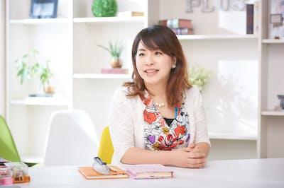 原麻衣子(はら・まいこ)さん。女性の起業支援を行うメイクステージ代表取締役社長(nikkei WOMAN Onlineより)=写真/西田優太