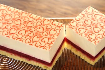 スリム・レアチーズ・フレーズ。イチゴのコンポートとフランス産クリームチーズを使用