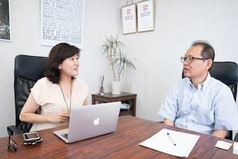 前野隆司教授(写真右)と白河桃子さん(写真:稲垣純也)