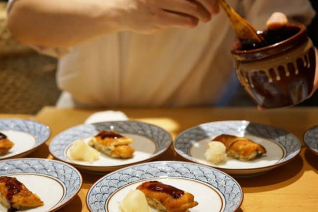 東京・銀座の「銀座 壮石」ではすしにオーストリアワインを合わせて提供する 果たしてこの煮アナゴに合うのは?
