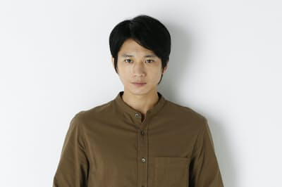 「連続ドラマW パンドラIV AI戦争」で医療用人工知能(AI)診断システムミカエルを開発した医師鈴木哲郎を演じる向井理さん