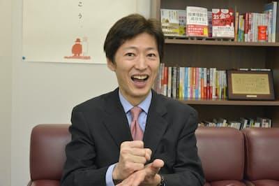 中野さんは投信運用で「適切な売買のタイミングを見極めるのは相当困難」と話す