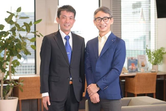 深沢直仁駿河精機ステージ事業部事業部長(左)に話を聞く長島聡氏
