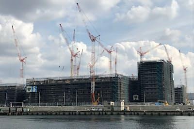 建設中の五輪・パラリンピック選手村(東京都中央区)