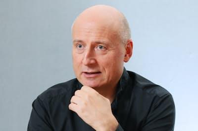 N響首席指揮者のパーヴォ・ヤルヴィ氏は柔軟なコミュニケーション能力の大切さを強調する