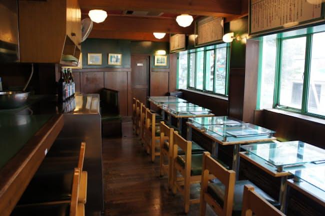 サイゼリヤは千葉県市川市が創業の地だ(1号店の店内、市川市)