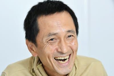 1959年大阪府出身。78年活動開始、引っ越し会社のCMで注目される。映画「Shall we ダンス?」やNHK大河ドラマ「西郷どん」などに出演。映画「体操しようよ」は9日公開。