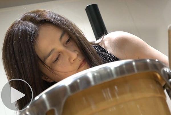 パーカッショニスト加藤訓子 ライヒの大作1人12役