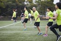 オットーボック・ジャパンのランニングクリニックでは、スポーツ義足によるランニングを経験できる(18年10月、同社提供)