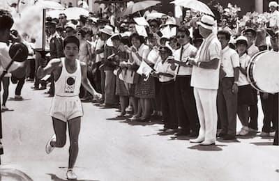 1964年の東京五輪では、聖火リレーの総距離は6700キロにのぼった