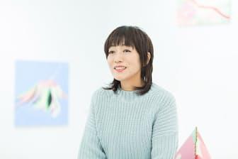 「ずっと自分に自信がなかった」という松尾さん。ブックデザイナー・鈴木成一さんのコメントが自信につながりました。(nikkei WOMAN Onlineより)=写真/品田裕美