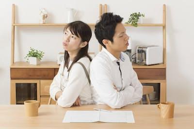 共働き夫婦が離婚したら年金の分割はどうなる?(写真はイメージ=PIXTA)