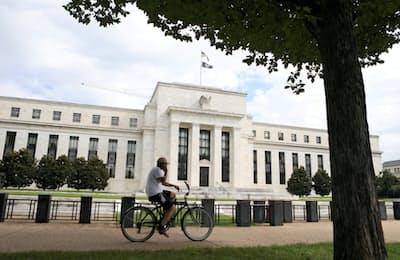 米国の長期金利は上昇傾向にある(FRBの建物、ワシントンDC)