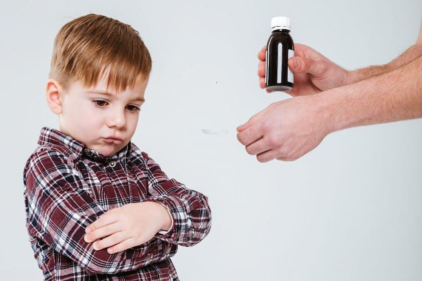子どもがなかなか薬を飲んでくれないと、途方に暮れたことがある人も多いはず。写真はイメージ=(c)Dean Drobot-123RF