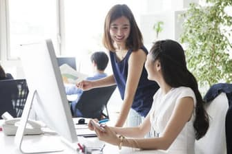 筆者は、AIによる雇用シフトが東アジア経済圏を世界最強に押し上げると予測する。写真はイメージ