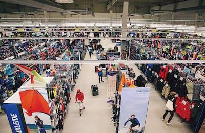 フランス生まれで、世界に1500店を展開するスポーツ用品店「デカトロン」。19年春、日本に進出する