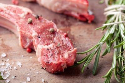 美容やダイエットにもいいラム肉に注目(写真はイメージ=PIXTA)