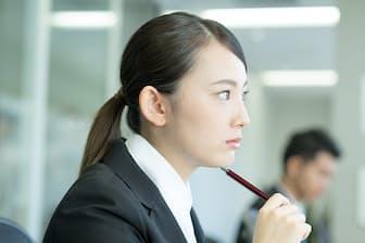 収入アップのために転職しようかな(nikkei WOMAN Onlineより)=PIXTA