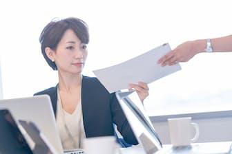 「これ、今日中じゃなくてもよくない?」とは、思っても言えない…(nikkei WOMAN Onlineより)=PIXTA