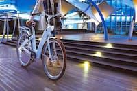 スポーツタイプの電動アシスト自転車も多くラインアップする「ベスビー」の「CF1 LENA」(写真は海外モデル)など、スタイリッシュなシティータイプの電動アシスト自転車が続々発売されている