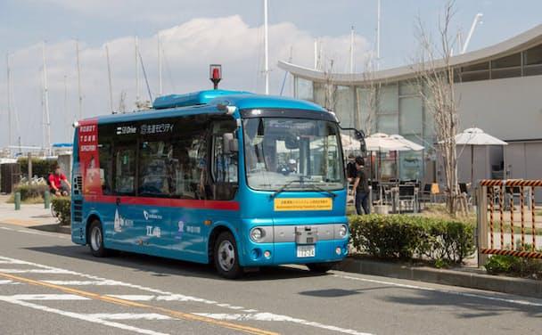 小田急は自動運転バスの実証実験に取り組む(神奈川・江の島)