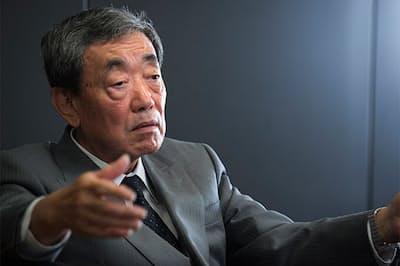 松本晃(まつもと・あきら)氏。2009年にカルビー会長兼CEOに就任。18年、カルビーを退職し、ライザップグループ代表取締役COOに就任。現在は代表取締役構造改革担当