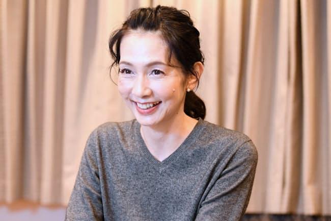 1967年横浜市出身。90年、TBS入社。「NEWS23」のキャスターなどを務めた後、フリーに。「ニュースステーション」2代目サブキャスターとして約6年間、久米宏氏と組んだ。