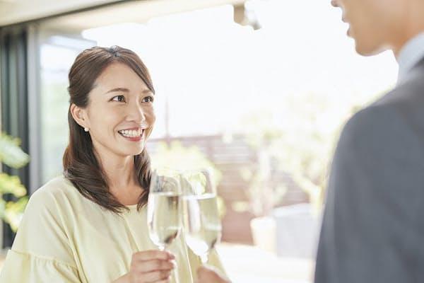 長年付き合った彼氏と別れたんだから、高収入・高学歴のステキな男性を見つけたい!(写真はイメージ=PIXTA)