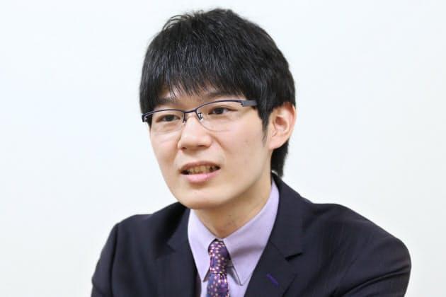 将棋棋士・斎藤慎太郎さん 師匠に手紙、両親の勧めで|NIKKEI STYLE