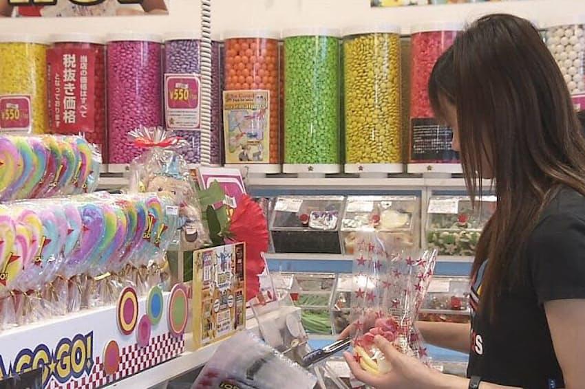 東京・原宿にあるグミ販売店「キャンディー・ア・ゴー・ゴー」は70種類以上の商品を扱う