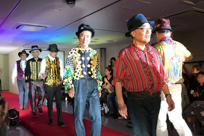 寺の法要室で開かれた「没イチ メンズコレクション」(12月9日、東京都港区)
