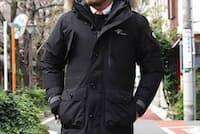 日本発のアウトドアブランドFoxfireとHOSUのWネームで登場。雨風雪、寒気をシャットアウトしてくれるゴアテックスを使用した、ハイスペックな一着だ。3ウエー仕様も目を引くポイント。(HOSU×Foxfire/3WAY GORE-TEX JACKET 142,560円税込み)