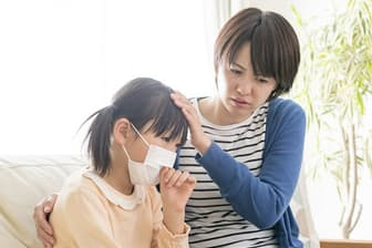 風邪に見える病気でも危険な場合があるので要注意(写真はイメージ=PIXTA)