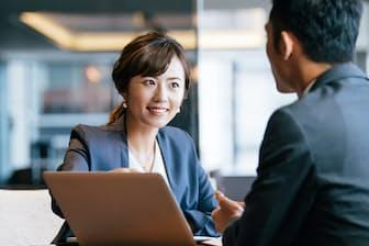 転職で仕事にワクワク感を取り戻したい人は多い。写真はイメージ=PIXTA