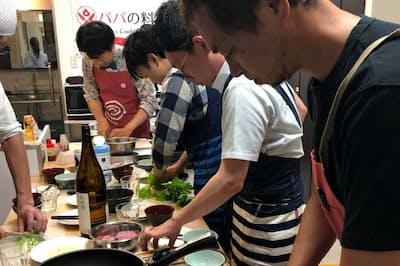 まずは自分の食べたいものを作って楽しんだ方が料理作りを習慣化できる。その上で家族向け料理に挑戦するのが理想だ