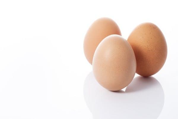 練習すれば、卵はいつでもまっすぐに立つ(PHOTOLIBRARY)