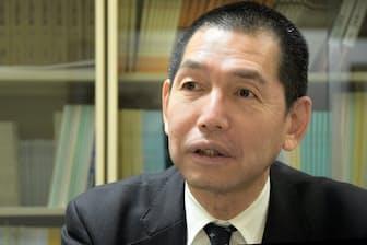 清風高校の平岡宏一校長