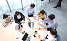 筆者は「管理職という仕組みは長期雇用のための施策」だと指摘する