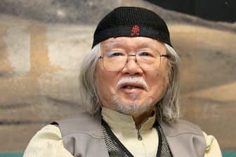 1938年福岡県久留米市生まれ。「男おいどん」で人気を博し、「宇宙戦艦ヤマト」「銀河鉄道999」などが国内外で大ヒット。2001年紫綬褒章、12年仏芸術文化勲章シュバリエ受章。